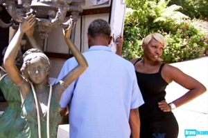 NeNe, Gregg, and Kenya's statue (S5 Episode 11 Bravo Photo Gallery)