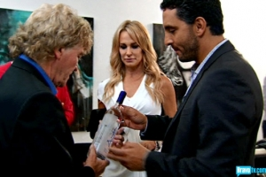 Mauricio gives Ken some Gin but not an apology - awkward (photo from Bravotv.com)