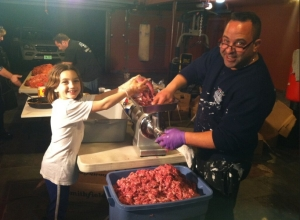 Pete Giudice and Gabriella making 800 lbs of sausage in their garage (tweet by Teresa Giudice)
