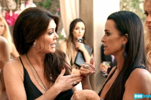 real-housewives-of-beverly-hills-season-3-gallery-episode-319-08