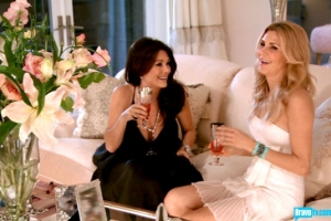 real-housewives-of-beverly-hills-season-3-gallery-episode-319-24