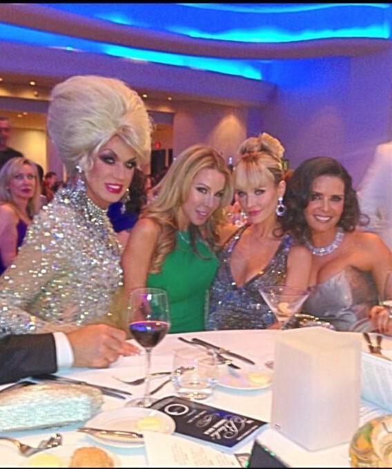 Elaine, Lisa, Joanna, and Karent (Elaine's twitter)