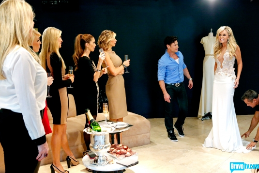 real-housewives-of-orange-county-season-8-wedding-dress-shopping-04