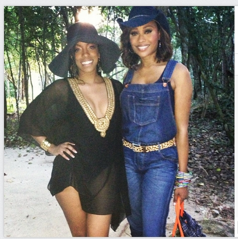 Porsha Stewart and Cynthia Bailey on the beach - Photo credit Porsha