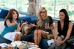 real-housewives-of-beverly-hills-season-4-gallery-episode-404-27