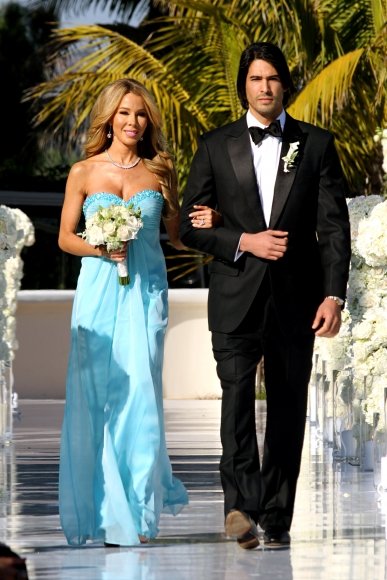 real-housewives-of-miami-season-3-joanna-wedding-14