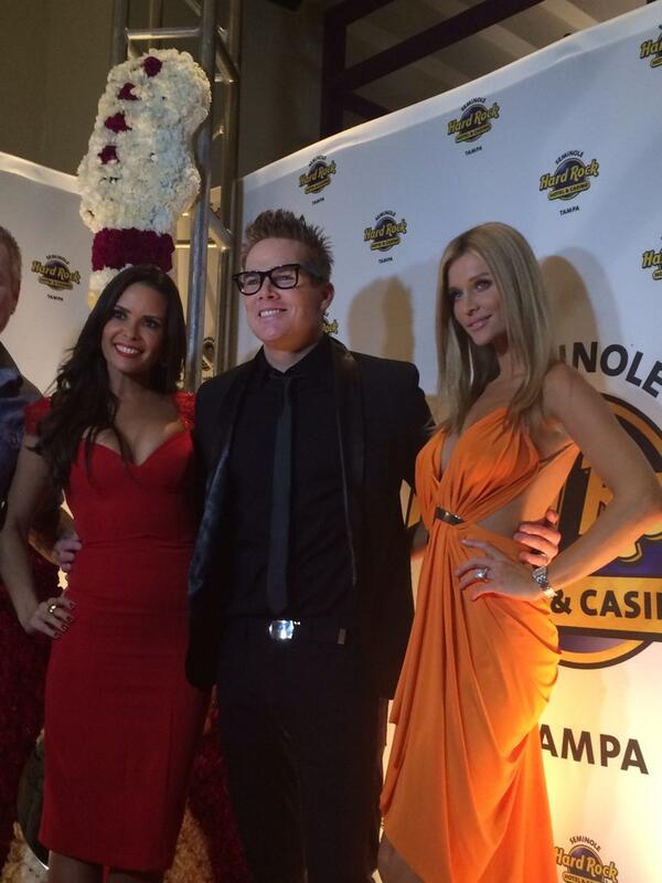 Joanna Krupa, Karent Sierra and Mark McGraw from SemHardRock twitter