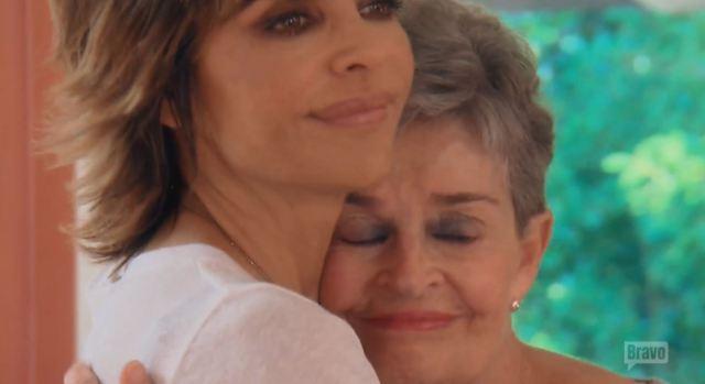 Lisa R and her mom